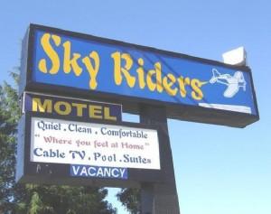 Sky Riders Motel Sacramento - Hotel Signage - Sacramento Hotels